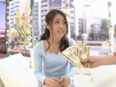 おっとりとした女子大生をナンパ→金を掴ませデカチン即ハメ