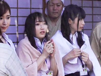 突然のゲリラ豪雨で近所の温泉宿で雨宿りしてた美人OL3人組を輪姦中出しレイプ!