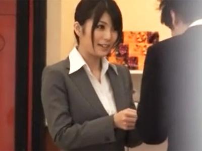 スパンキングで感じるドマゾな美人秘書を監禁拘束レイプ!