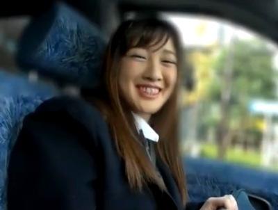 上玉な円光JK確保!笑顔の可愛い女子校生に大量顔射