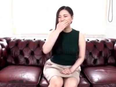 豊満熟女の乳首を執拗にこねくり回すフェチ動画→ぷくっと膨れ上がった乳輪を無限吸引