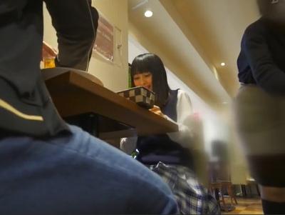 黒髪おとなしめなリアルJKと円光成功→大人の空気にしっかり合わせる有能女子校生
