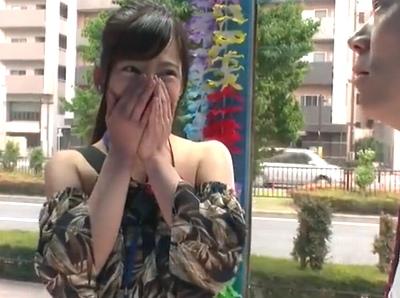 「ぉ、オナニーしてます…」赤裸々に性事情を話してしまった素人さんが謝礼を握りしめながら顔射3P