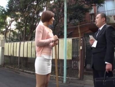 男大好きなドスケベ管理人さん!寮に住む男なら爺のチンポでもしゃぶりつくすド淫乱♡