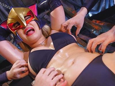 「ぁあ!イイぃー♡」女怪盗がヒーローに淫語を浴びせながら激イキ!正義と悪が逆転した快感ドロ〇ジョ様