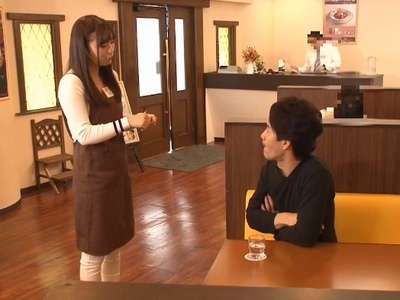 感じの良いピタパン店員にムラムラ→他に客に見えない死角で営業中レイプ!