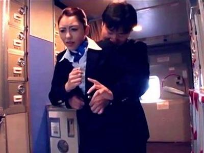 上空1万mの機内でタイムストップ!静まり返った室内で美人CAをガチレイプ!