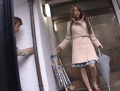 美人妻たちが自転車での帰宅中も執拗にストーカー!一人になった所を襲って悶絶チンポ漬けに
