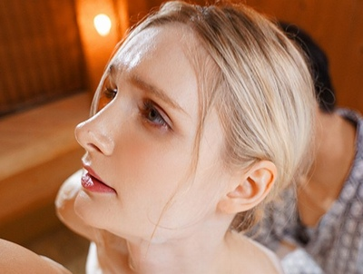 「結婚して…1年デスネ」日本語も堪能な北欧生まれのブロンド美人妻が日本人チンポに寝取られ乱交!