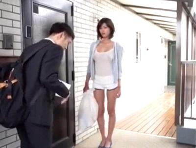 「おはようございます♡」引っ越した先の隣人がノーブラ!えちえち痴女に誘われるがままキンタマ空にw