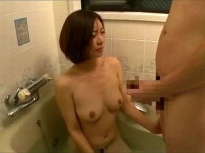 【素人SM】水着姿の素人女子大生の、マッサージ素股中出しプレイが、MM号で。