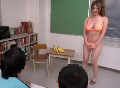 エロガキたちに卑猥な授業を求められる女教師が…言いなりSEXで完堕ち乱交w