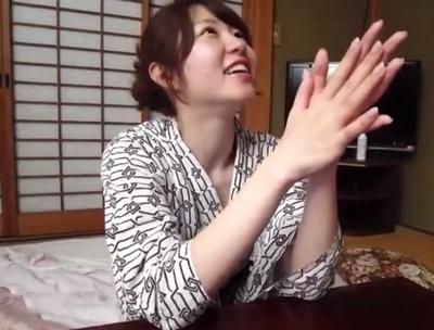 「もっと欲しい…♡」色白巨乳な素人が温泉旅館でオチンポ欲しがるハメ撮りパコ