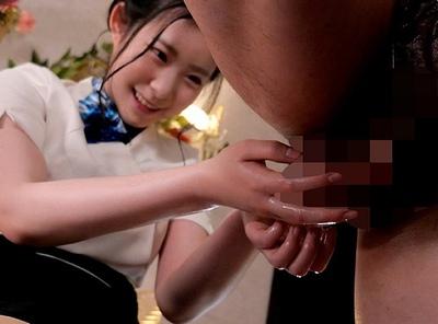 「一緒に…触っちゃいますね♡」睾丸まで丁寧に揉み解してくれる神マッサージエステ