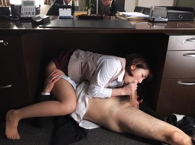 中年上司とのきってもきれない肉体関係…ことあるごとに2人きりの密室に入れられるOLはされるがまま…