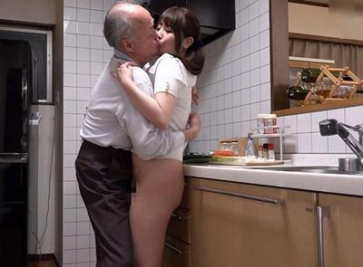 「だ、ダメですっお義父さん…」性欲モンスターの義父に毎日中出し交尾を迫られる巨乳若妻さん