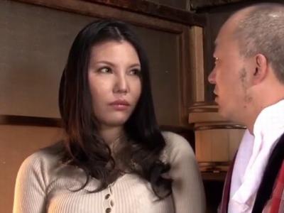 ハーフな美人妻が貞操観念だだ崩れな夫実家を受け入れられなくて…義父に調教される!