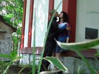 人気のない神社裏で青姦する田舎のカップル隠し撮り
