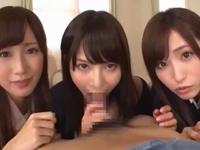 「ザー汁がいっぱぃ」美少女3姉妹が1本のチンポを奪い合いフェラ抜き