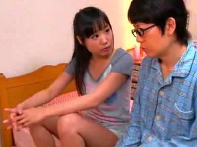 巨乳な母が息子チンポ誘惑して中出し近親相姦!