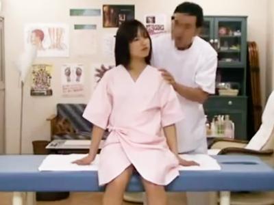 「待ってください…ぁぁッ」エロマッサ師に性感体を刺激され敏感に感じる素人娘に中出し