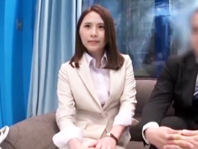 MM号で憧れの上司と二人きり→役職を越え禁断の初パコスタート!
