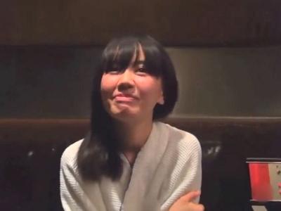 Twitterで知り合った黒髪女子大生とホテルでハメ撮り!