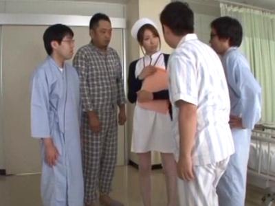 「やだッやめて!」患者に迫られレイプされる美人ナース