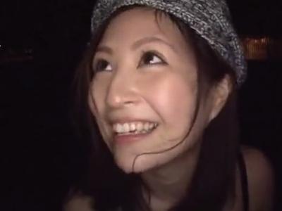 「声出ちゃうッ」東京都内の色んな場所で青姦ファックを楽しむ美少女