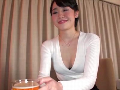 同窓会でナンパしたほろ酔い巨乳人妻が他人棒ハメられてマジイキ!