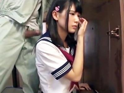 大工のオジサンにレイプされる美少女ロリJK→極太チンポぶち込まれ生中出し