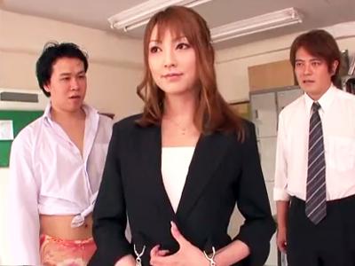 美巨乳教師・松島かえでが生徒とのスキンシップで激ハメSEX