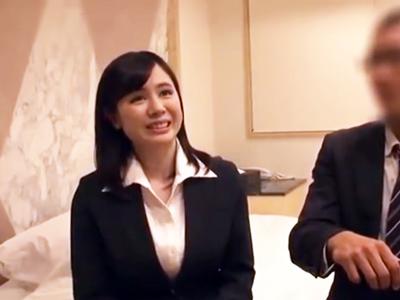 二児の子を持つ上司を誘惑する部下OL→不倫ホテルパコに発展!