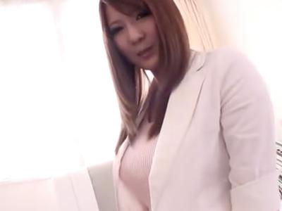 爆乳OL・仁科百華ちゃんが彼氏に隠れて浮気パコ!