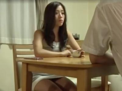 旦那以外の男のチンポにハマって昼間から中出し受け入れる不貞人妻w