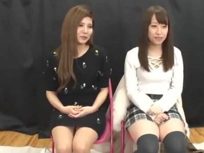 「恥ずかしいよぉ」美女2人組がエッチなゲームに参加!負けた方は友達の目の前でパコられるw