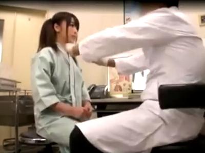 生理不順が酷いからと産婦人科に来たロリ娘が悪徳医者に中出し食らうw