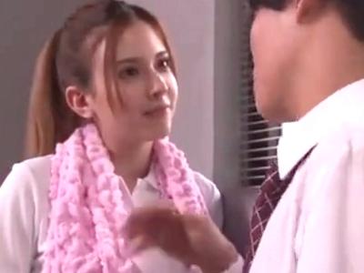 「顔にいっぱい出してッ」ハーフ系の美少女JKと保健室でイチャラブパコ!