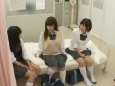 「私にも挿れて…」美少女女子高生と放課後の保健室でハーレムパコ!