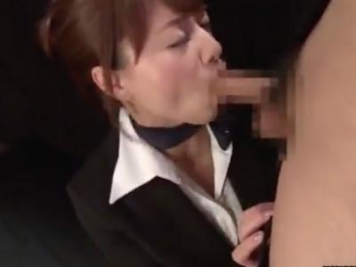 美人CA・吉沢明歩の喉奥を徹底的に責めるイマラチオ性調教!