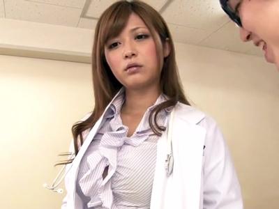 完璧スタイル&美貌な女医に時間を止めてイタズラ→チンポぶち込みそのまま中出しw