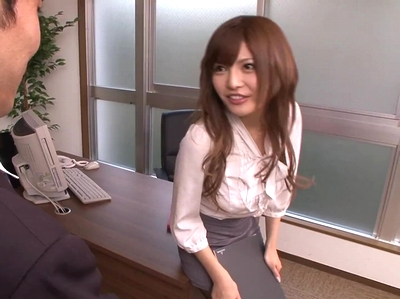 美人過ぎる社長秘書の桐谷ユリア→社長室でまさかの絶叫ハメ