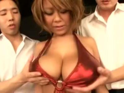 「こういうのが好きなの?」関西出身な爆乳ギャルの極上パイズリであえなく射精!