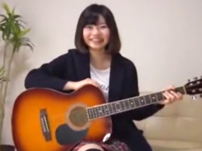メジャーデビューの資金をAV出演で賄うシンガーソングライター娘