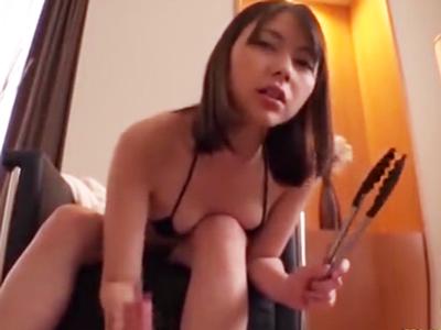 「何このくっさいチンポ」超ドSなスレンダー美女がM男チンポ調教!