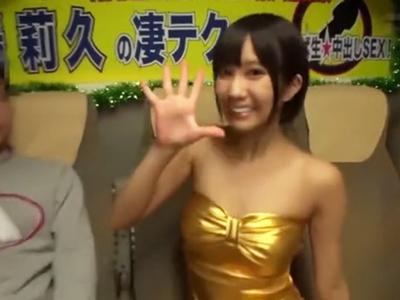 完璧スタイルな湊莉久ちゃんのエロ技に耐え切れたら生中出しSEX!