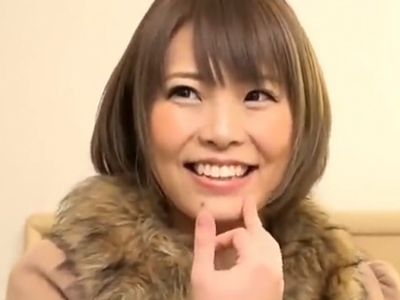 川崎でナンパ捕獲した美人妻→ラブホに押し込み中出しファック!