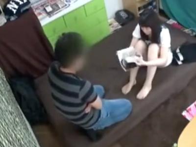 「ちょ…だめだって!」女友達を自宅に連れ込みハメた一部始終を盗撮!