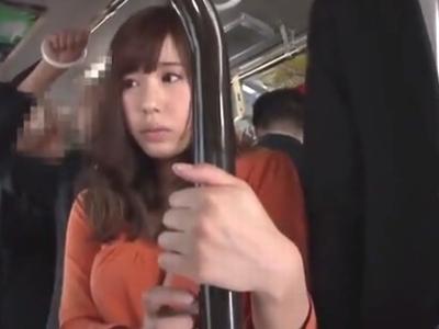 「やめて!嫌ッ」巨乳美女が電車内で無理やりおチンポをハメられ悶絶w