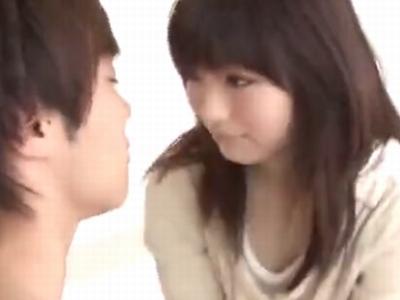 アイドル顔の白肌美少女がイケメンチンポに愛液を漏らしながらマジイキw